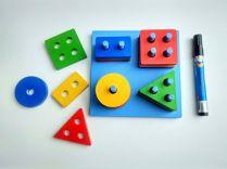 Mainan balok geometri