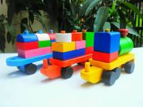 Mainan balok kereta
